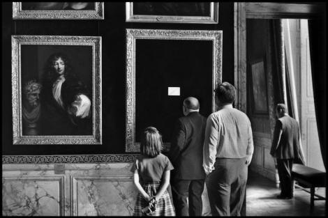FRANCE. Yvelines department. 1975. The Castle de Versailles.Elliott Erwitt