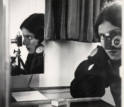Autorretrato con espejos. Ilse Bing. 1931