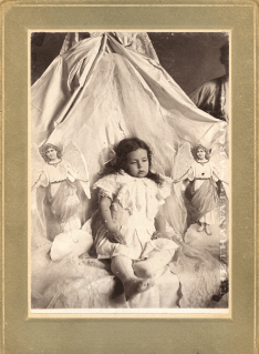 creepy_dead_child_angels