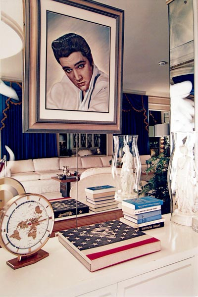 William_Eggleston_graceland_m