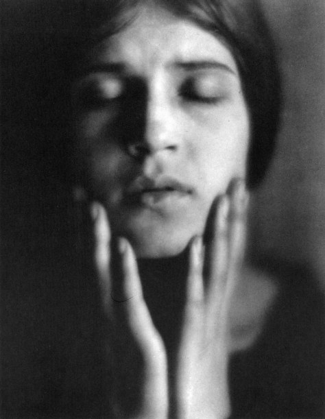 011_Edward Weston, Tina che recita, 1924