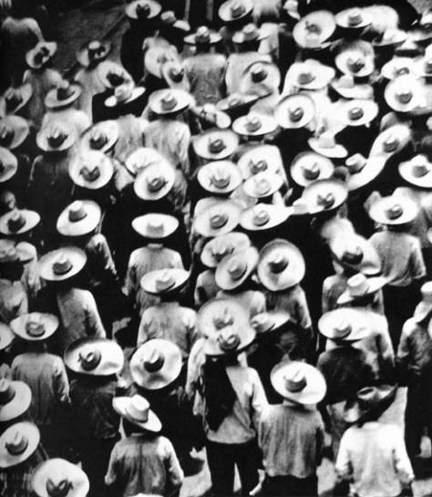 027_ Tina Modotti, Marcia dei campesinos, Messico, 1928,