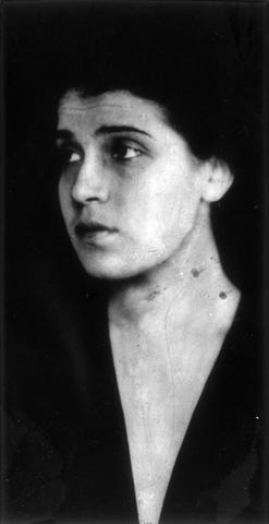 Archivo Casasola. Tina Modotti. (ca. 1923)