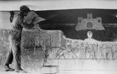 Tina Modotti. Máximo Pacheco pintando un mural (1926)