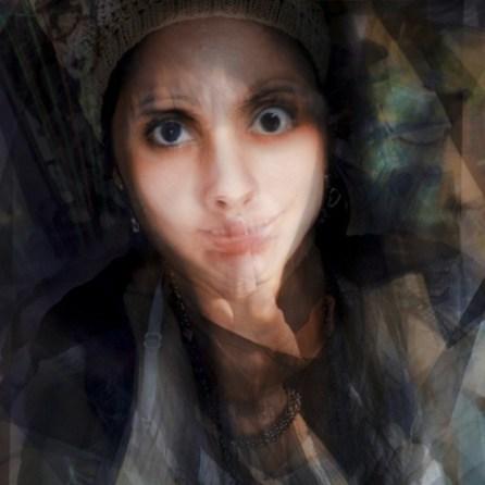 Fig 7 @mbeltranb #zznocam. REcopilación de selfies de una misma persona, mezcadas en una misma capa