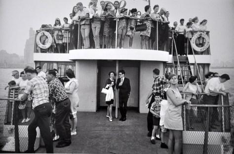 Garry_Winogrand_g-w-_staten-island-ferry-ny-1971_12