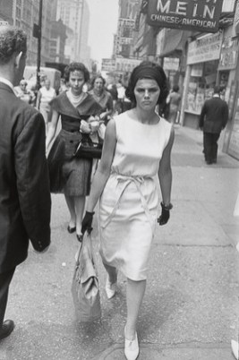 New York City1961_Garry_Winogrand_Women_Are_Beautiful_95