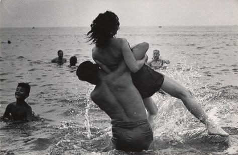Warri_Winogrand_2--Coney-Island--New-York--1952-Winogrand_13