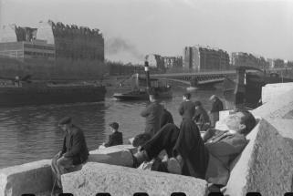 FRANCE. Paris. Domingo en Auteuil. Circa 1945-1946.