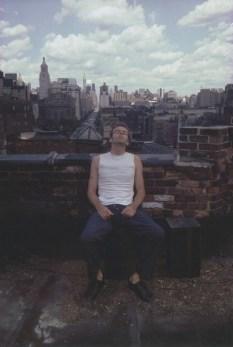 Brian en un techo en Bowery. New York City, 1982