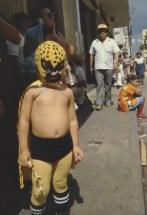 Niño mexicano en carnaval. Mérida, México. 1982