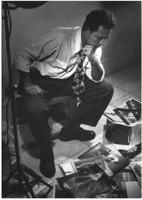 Nacho López. Autorretrato en su estudio ca. 1965