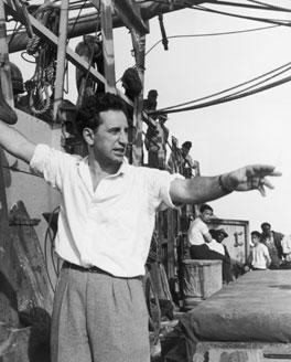 El realizador Elia Kazan, que acabó denunciando a varios compañeros