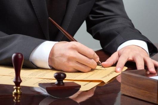 Óscar León: La hoja de encargo y el abogado: todo ventajas