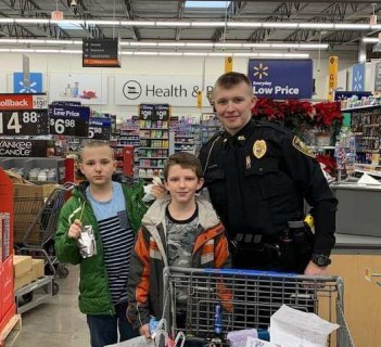 shop with a cop in osceola iowa