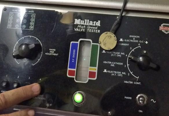 The Mullard High-Speed Valve Tester has a CRT!!