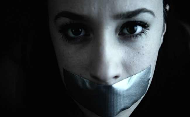 Girl With Mouth Taped Shut Wallpaper 4 T 193 Ticas De Manipula 199 195 O Que Pessoas T 211 Xicas Usam Para