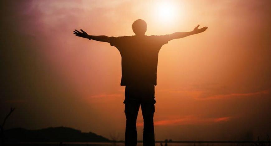 Aprendi a esperar menos das pessoas e a entregar mais para Deus. Faço o melhor que posso e sigo em frente