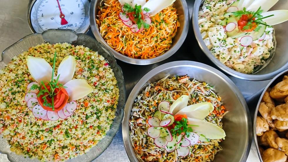 Carottes et céleri râpés - Salade piémontaise - Taboulé à l'occidentale - Salade de soja aux écrevisses