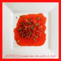 Tartare de fraises à la vinaigrette de jeunes pousses de sapin et baies du Paradis