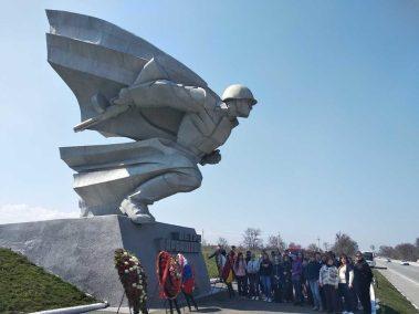 Памятник Петру Барбашову