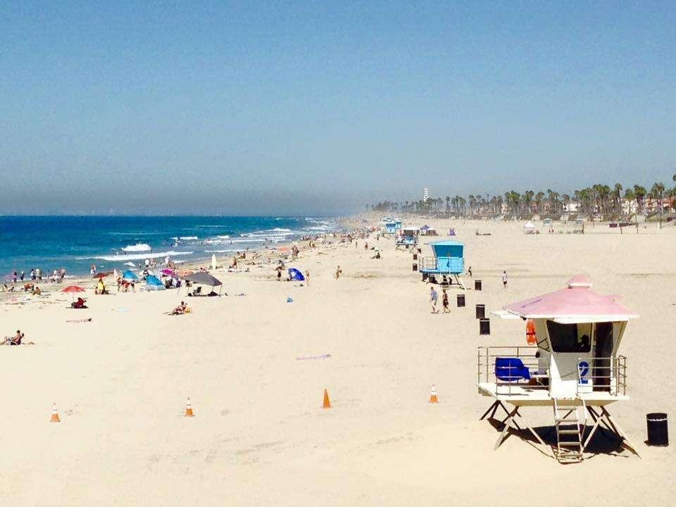 Surfer à Huntington Beach, Californie