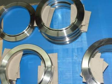 Heinz Edelstahl has established itself as a supplier of small batches and custom stainless steel parts.