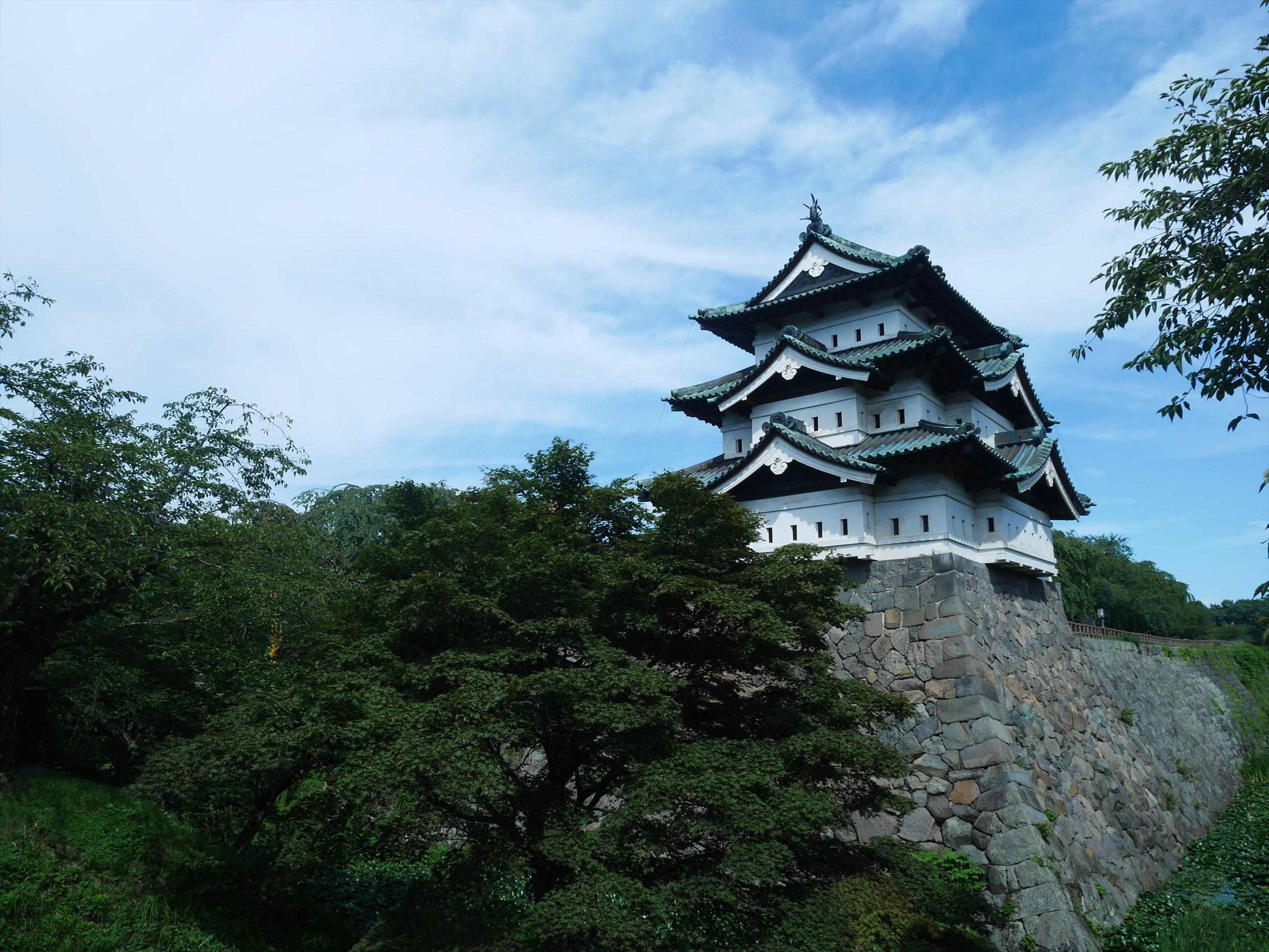 弘前城に桜が咲いてなくてもこれだけすごいってことは ...