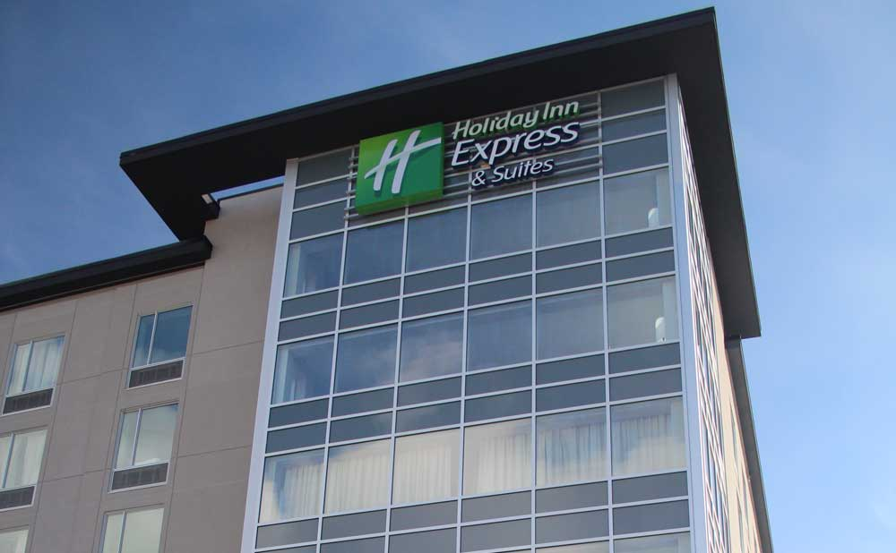 The recently completed downtown Holiday Inn Express and Suites is having troubles finding a tenant to fill part of its bottom level. Originally, the plans were for that space to be used by a full-service restaurant.