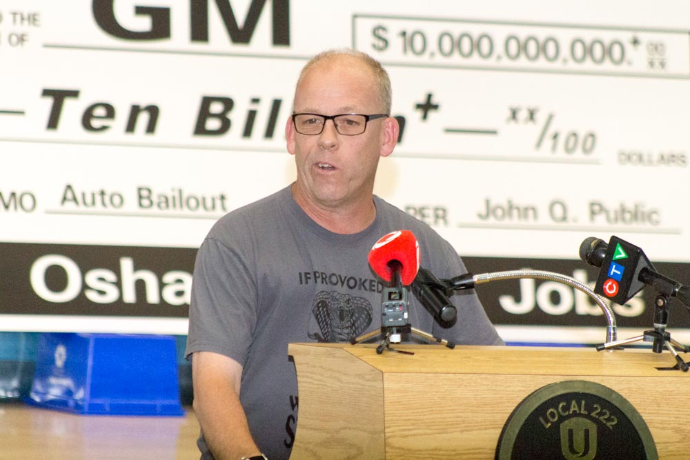 Greg Moffat, Unifor's GM master bargaining committee chairperson, says the union wants to avoid a strike if at all possible, but will work to get the best deal for its workers. In a memo sent to union members, Jerri Dias, Unifor's president, says that if no new product is committed to the Oshawa plant, the union will not sign a new deal with General Motors.