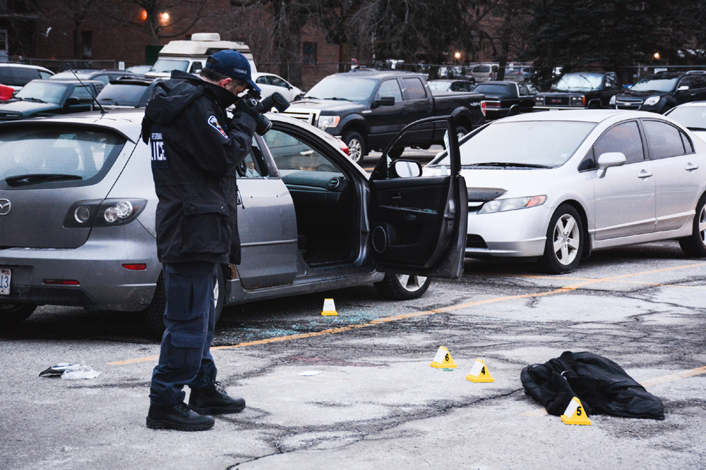 1 dead, 1 seriously injured after double shooting in Oshawa