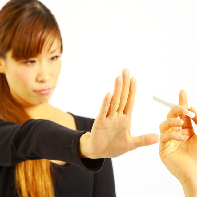 嫌煙家の女性と付き合う場合、煙草をやめる? - ウォッチ | 教えて!goo