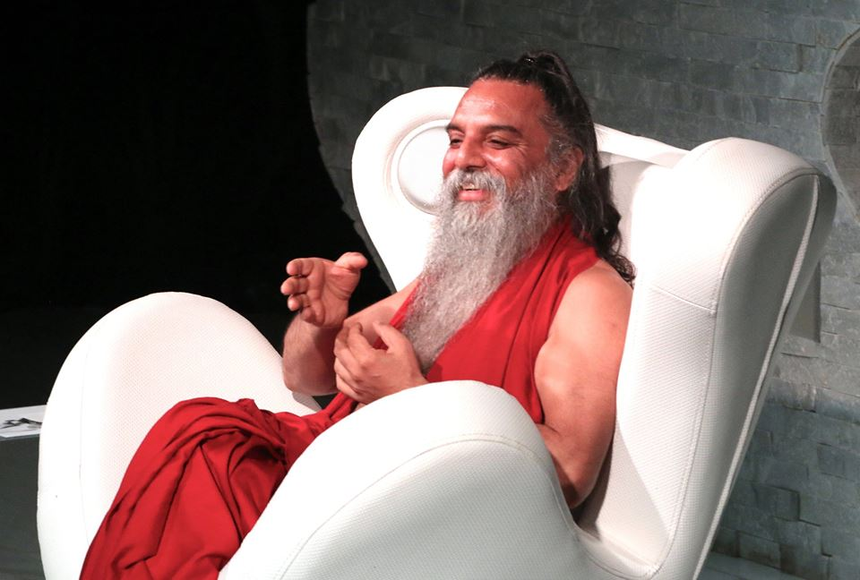 ozen rajneesh giving satsang