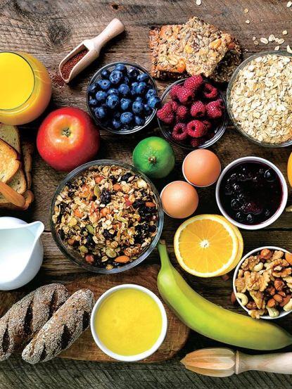 아침식사 습관으로 토마토, 계란, 견과류, 치아시드, 고구마 등을 섭취하자