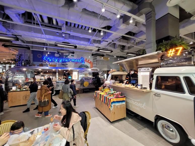 여의도 현대백화점 내부, 더 테이스티 서울, 식품관