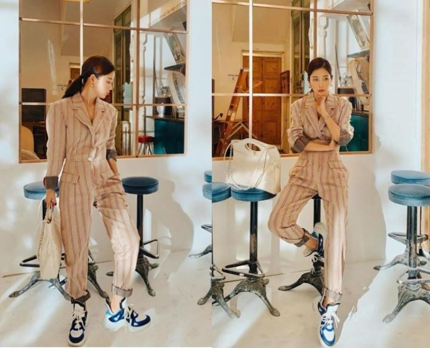 패셔니스타 기은세의 스트라이프 디자인이 더해진 점프수트 패션 코디