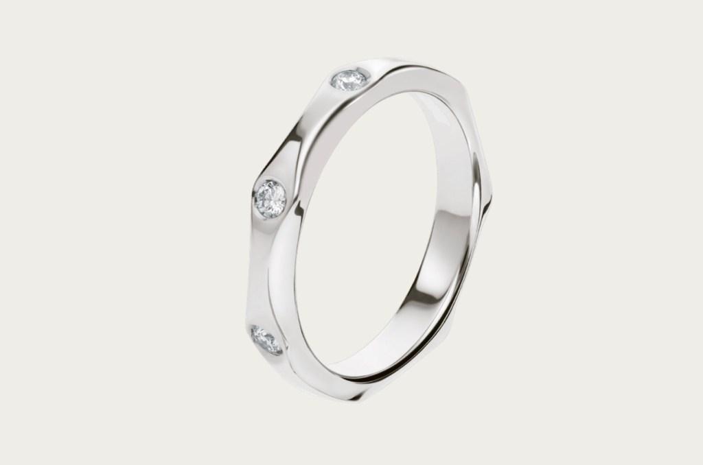 다이아몬드에 따라 가격이 달라지는 인피니토 결혼반지