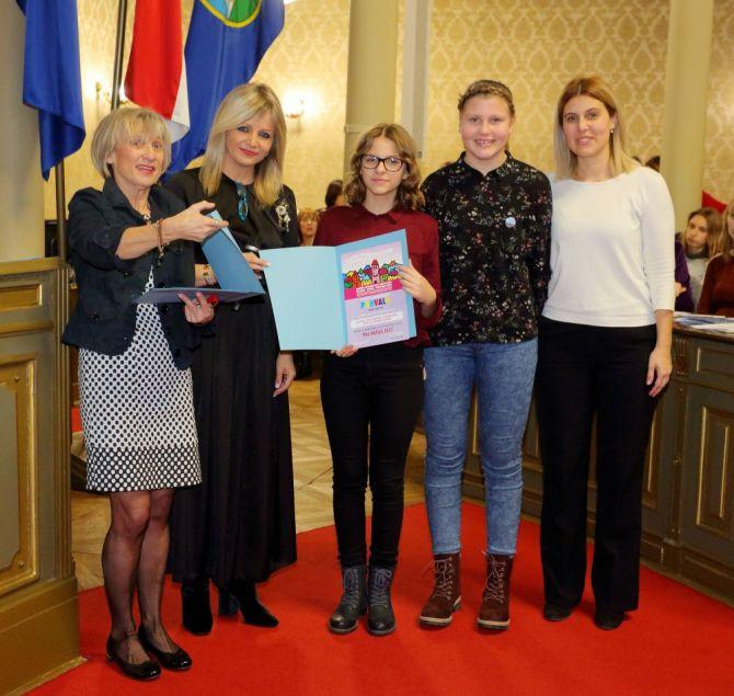 Nagrada glazbenim odjelima naše škole za organizaciju glazbenog tjedna