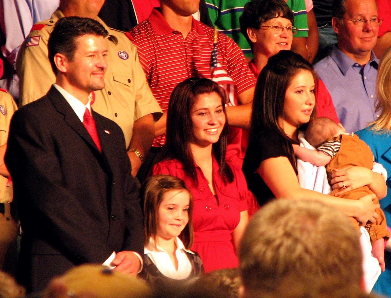 Rodina Palinových, Bristol s Trigem zcela vpravo