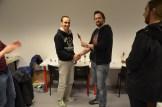 Mathieu får prisen av Erik for beste i Sci-fi-klassen