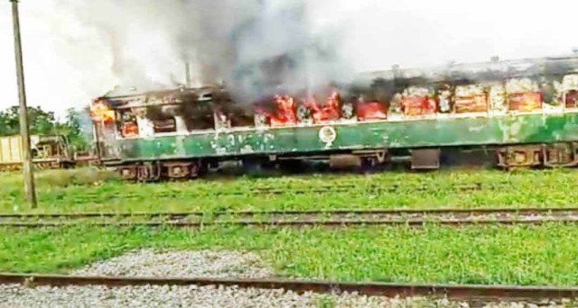 Hoodlums set Kano-bound train on fire at railway station in Kware