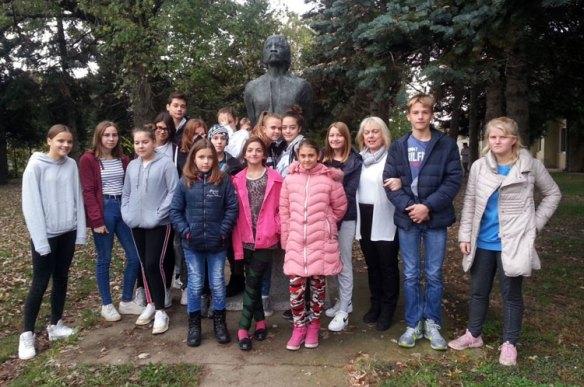 Чланови Вршњачког тима за школску 2019/20. годину