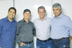 O vice prefeito de Mucuri, Fernando Jardim, o vereador de Mucuri, Roberto Correia (Nicó), o prefeito de Mucuri, Dr José Carlos Simões e o deputado estadual, Robinho no Aviva Mucuri;