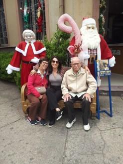 Nere Buzatto, empresária, com sua sogra Ilda e o sogro Aldo Buzatto, curtindo férias em Gramado, Rio Grande do Sul