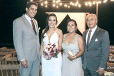 Os pais da noiva, Jadilson Moraes, Maria José Cardoso, com Rodrigo e Zeila