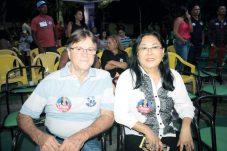 O secretário de Finanças da Prefeitura de Cabrália, Ataliba, com sua esposa Luiza Dias, no encontro de lideranças políticas em Cabrália