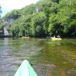 Excursión con niños pequeños en canoa en el Périgord Noir