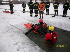 Ćwiczenia na lodzie (11)