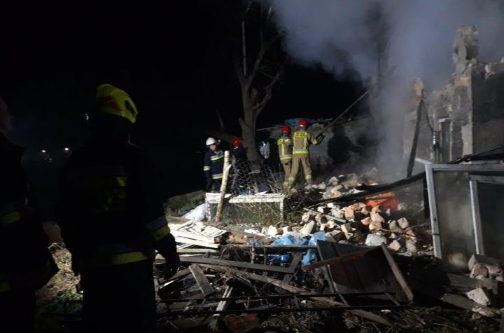 Strażacy gaszą pożar w Uszczynie