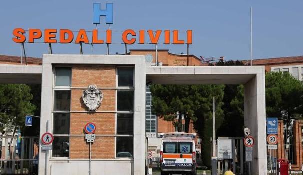 L'ingresso dell'Ospedale civile di Brescia